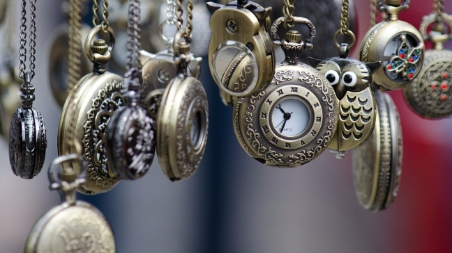 pocket-watches-436567_1920.jpg